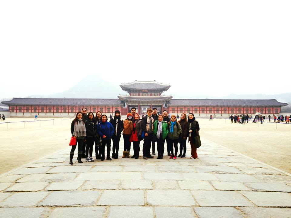 Ellcad Team visiting a Korean palace